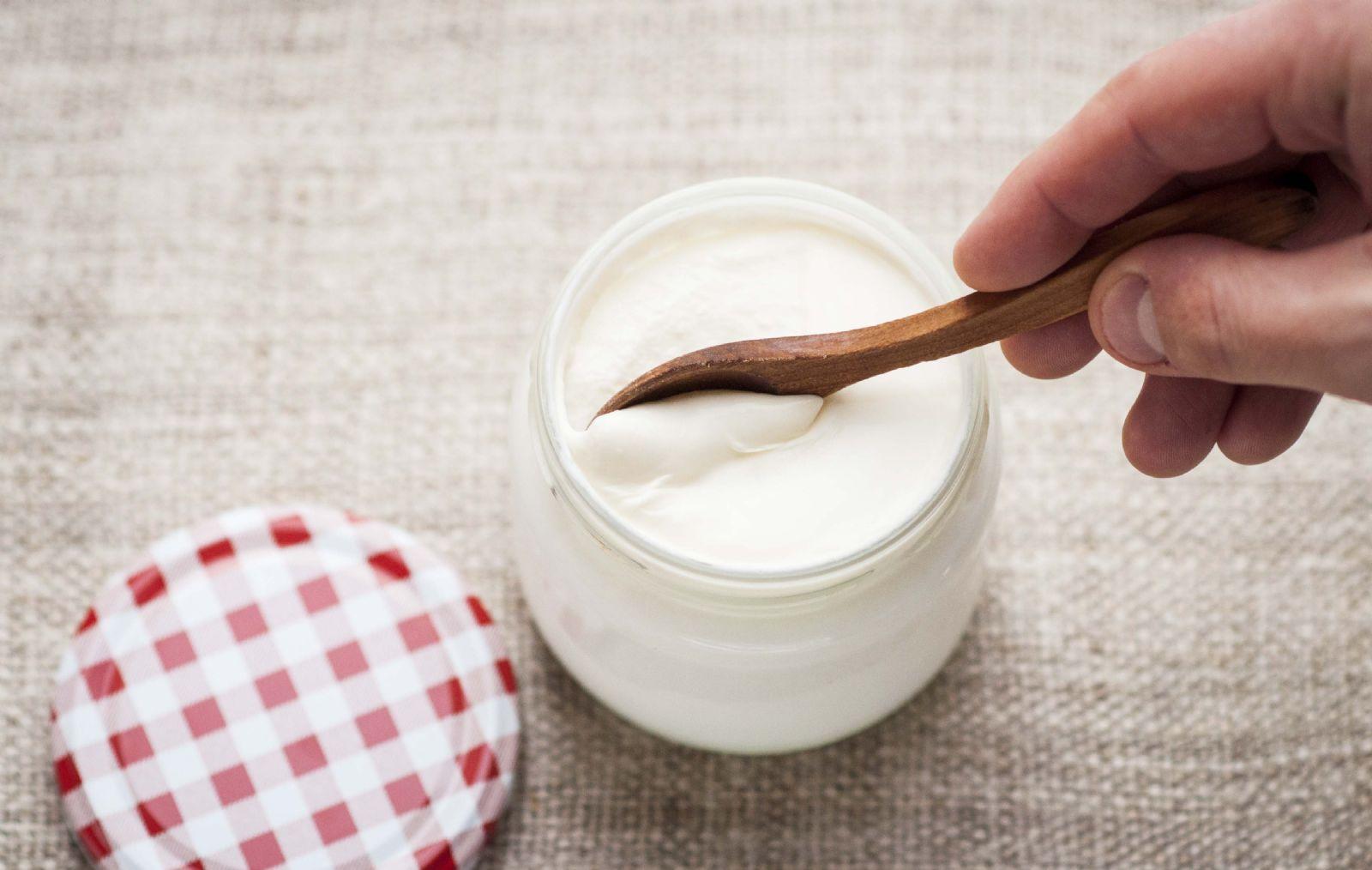 Evde Doğal Yoğurt Yapımı